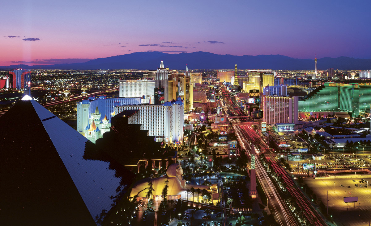 vegas lights c836 wall mural las vegas strip wall mural wallpaper mural ideas 13341
