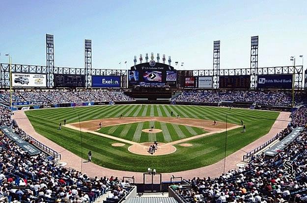 Chicago white sox u s cellular field wall mural for Baseball stadium mural wallpaper